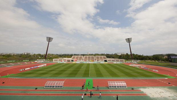 沖縄県総合運動公園陸上競技場:...