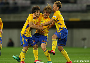 FC Tokyo out of Levain Cup in 3-2 loss