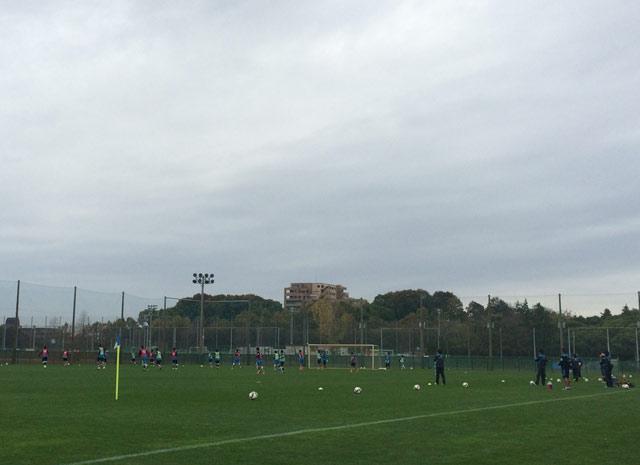 気温が下がり寒い1日となったが、選手たちはフレッシュな面持ちで練習をこなした(写真:高村 美砂)
