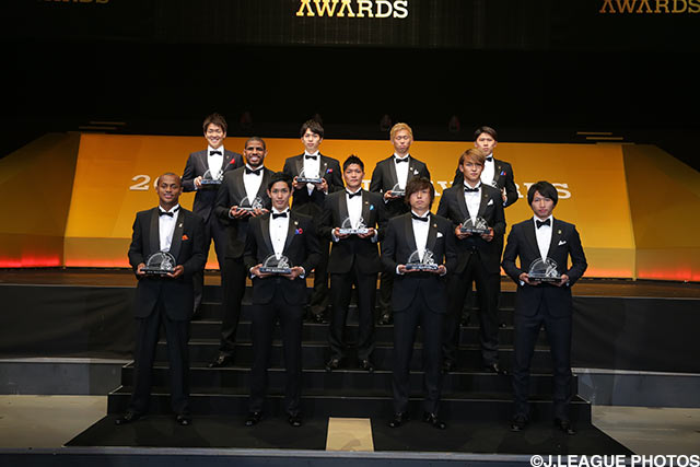 Douglas leads the line for J.League Team of the Year