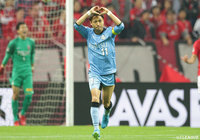 Frontale send J1 title race to final day