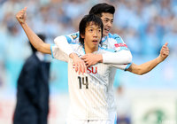 Frontale begin title defence with comprehensive win