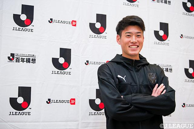 鈴木 唯人(市立船橋高→清水)「サッカーをやっている子たちの憧れの存在になることが目標です」【注目新人選手インタビュー】