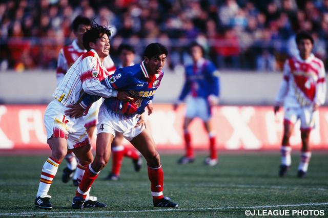 キャプテンとして奮闘した井原 正巳(横浜M)【1996年 横浜Mvs名古屋】
