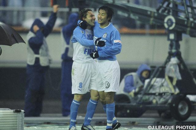 2得点のグラウ(#8 磐田)は大車輪の活躍【2003年 磐田vs京都】