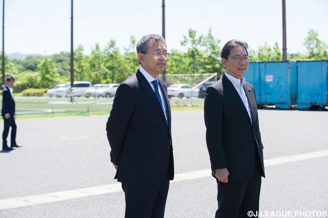 5月12日は大分トリニータの練習場を訪問した村井 満Jリーグチェアマン