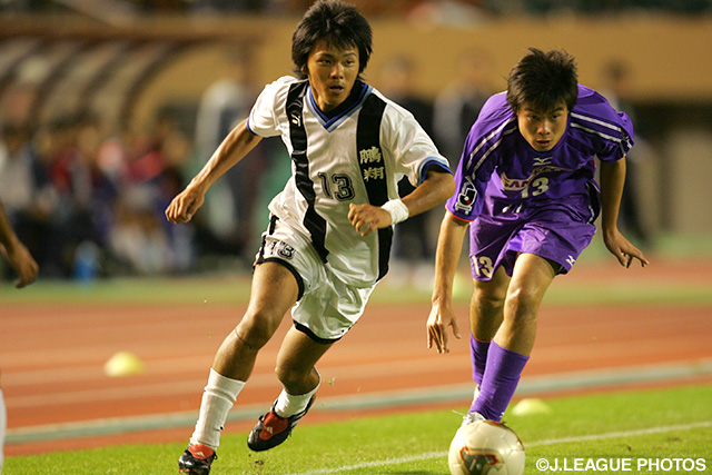 2004の高円宮杯に出場した宮崎・鵬翔高の興梠慎三