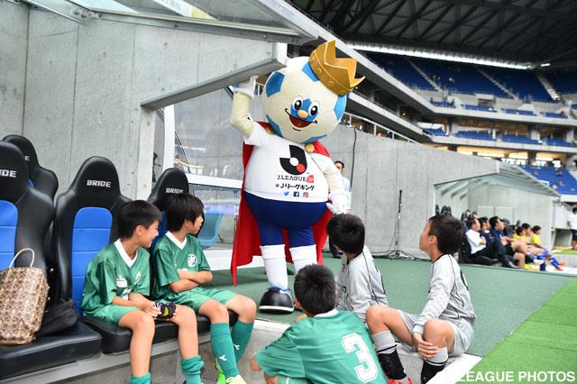 少年たちと戯れるJリーグキング【明治安田J1 2nd 第4節 G大阪vs福岡】