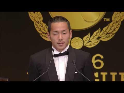 ベストヤングプレーヤー賞を受賞した井手口(大阪)のスピーチです