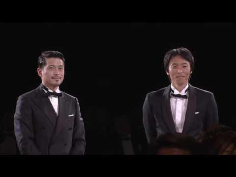 功労選手賞は鈴木 啓太さんと山口 智さんが受賞