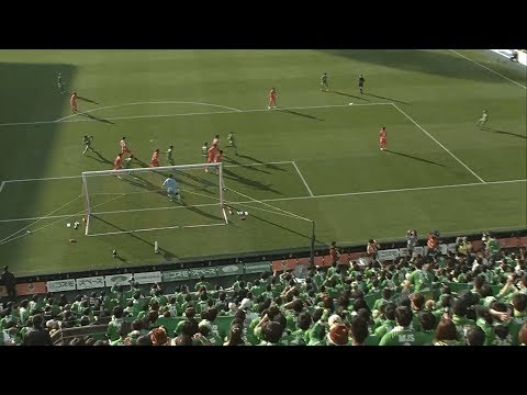 ゴール:大宮vs東京V 左サイドで獲得したFKのチャンスからゴール前に速いボールが蹴り込まれると、平 智広(東京V)が相手GKの合わせて貴重な先制点を奪取!